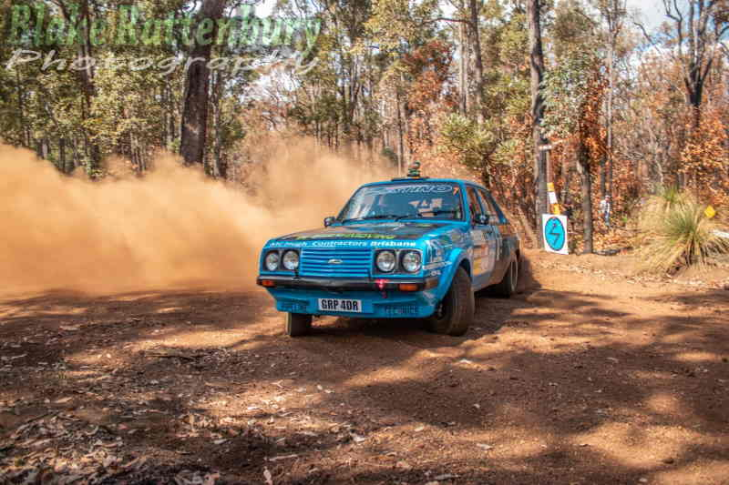 Alcorn/McMacken hanging the tail out in their Mk2 Escort RS2000